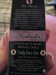 Too Faced Teddy Bear Hair retractable kabuki