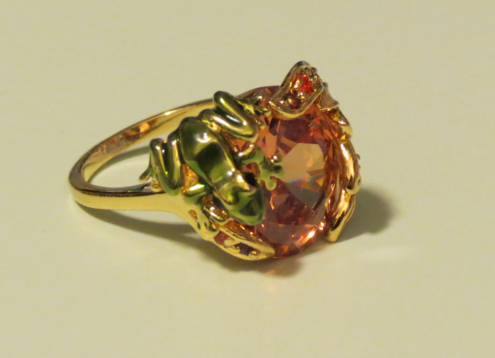 Lucid New York Frog Cocktail Ring