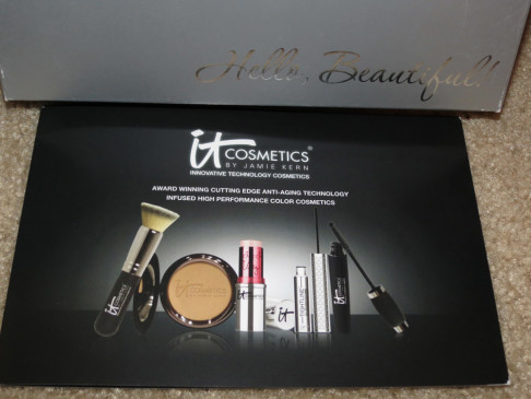 It Cosmetics Hello Beautiful Kit